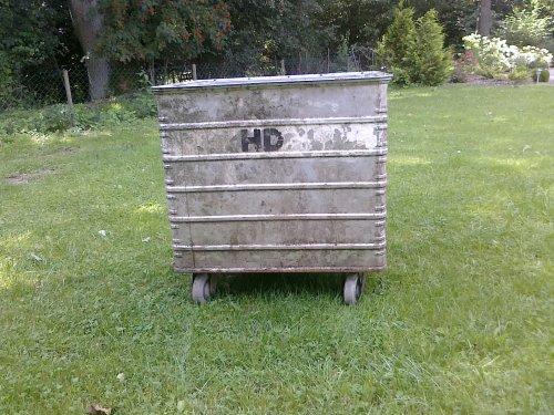 Box1.m.jpg
