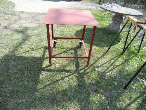 Tisch grundiert4.m.jpg