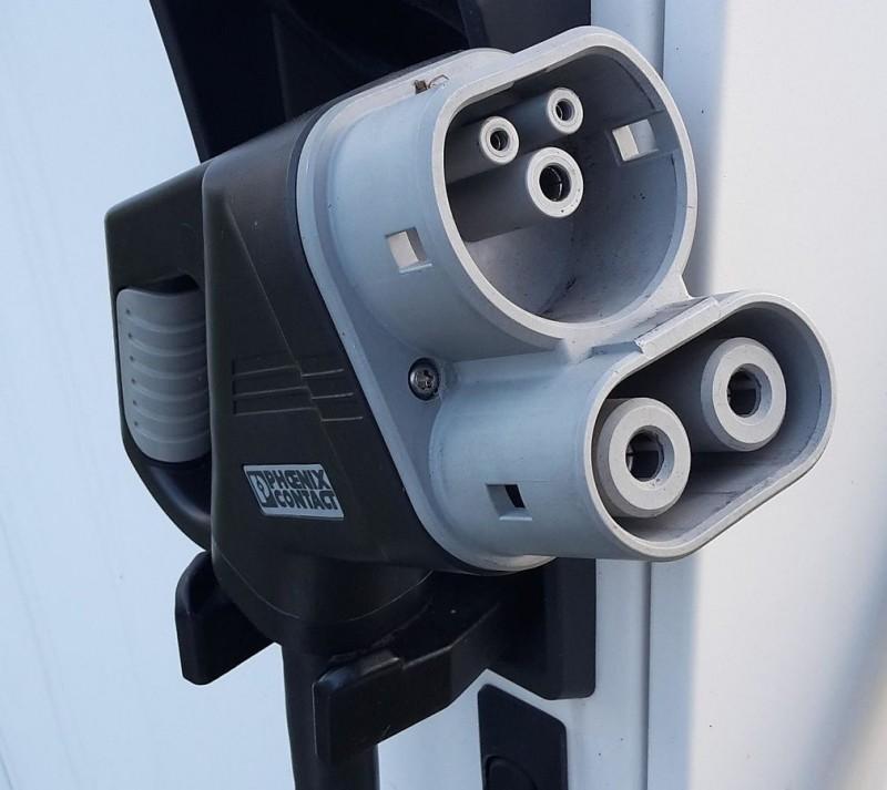 Ladestecker_CCS-Stecker_50_kW.jpg